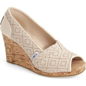 Toms Diamond Classic Woven Wedge, size 6